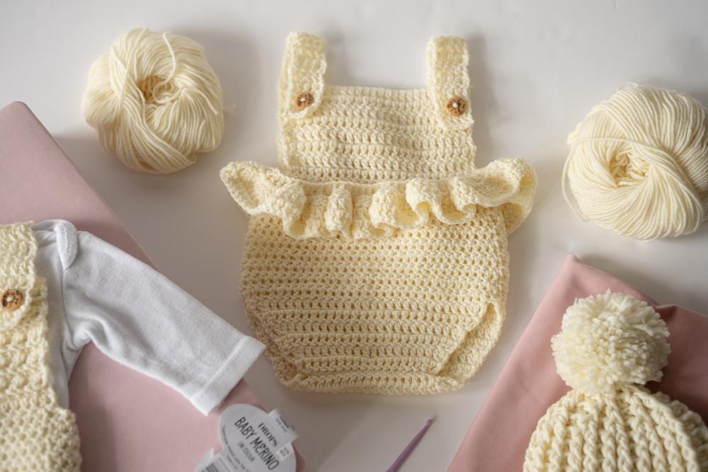 jak zrobić na szydełku ubranka dla noworodka